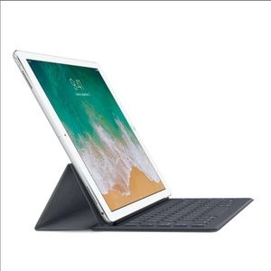 APPLE— IPad Smart Keyboard ⌨️